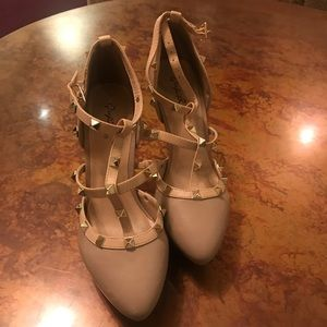Qupid Studded Tan Heels Only Worn Once!! Size 7.5